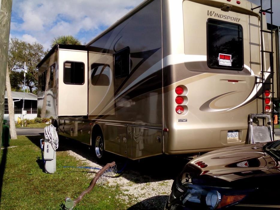 2010 Thor Motor Coach WINDSPORT 32V