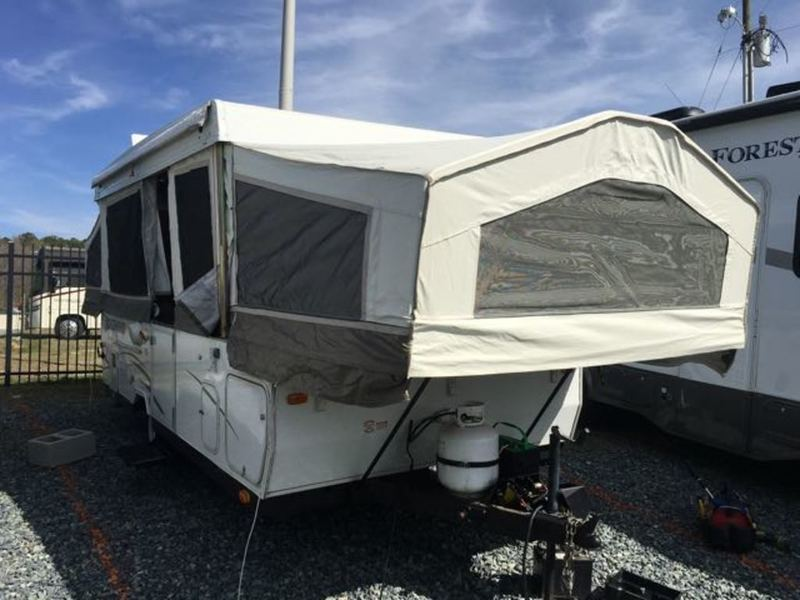2008 Forest River Rockwood Premier 2302