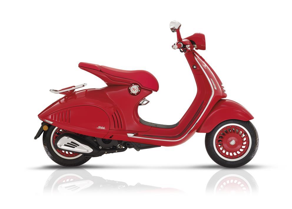 2017 Vespa Vespa 946 RED