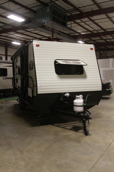 2017 Coachmen Viking Ultra-Lite 17FQS