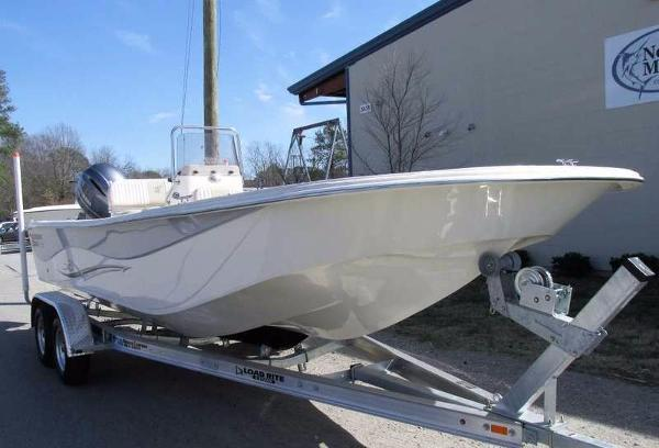 2017 Carolina Skiff DLV 238