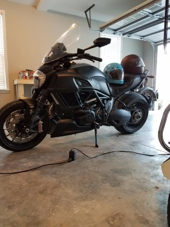 2015 Ducati DARK