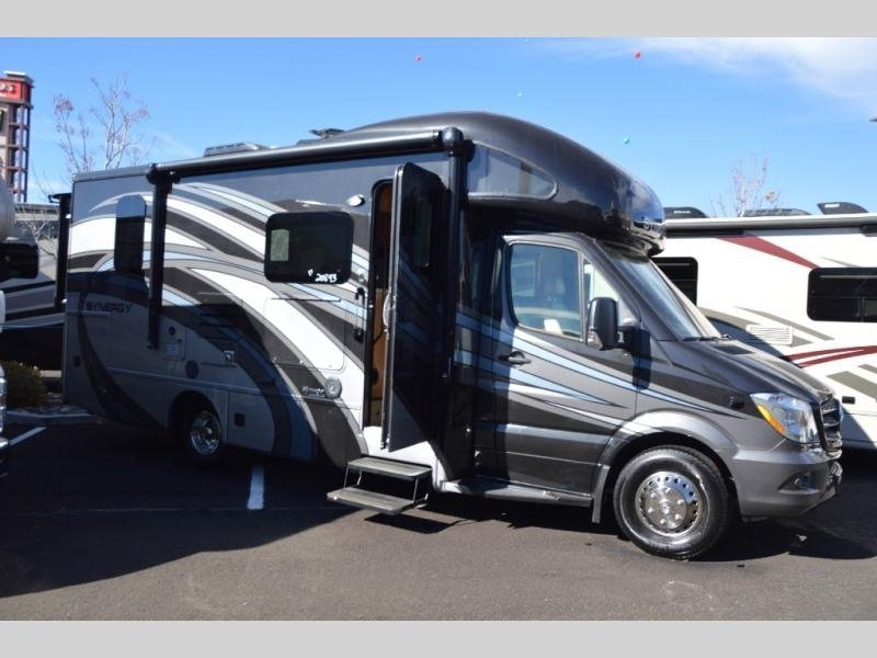 2017 Thor Motor Coach Synergy SP24