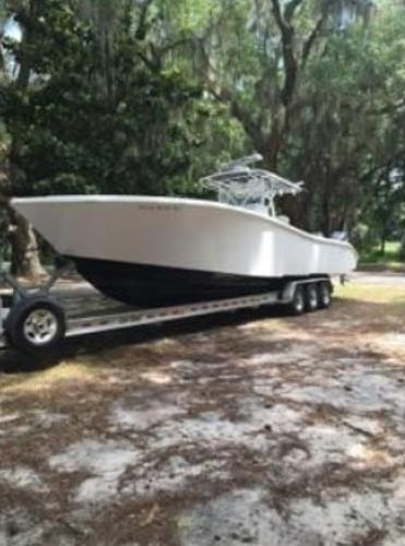 2004 Yellowfin 36 (LOADED!)