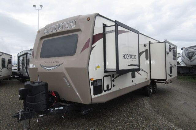 2018 Forest River Rockwood Ultra Lite 2703WS SOLID SURFACE/