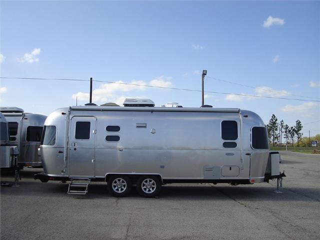2017 Airstream Rv Flying Cloud 25FB Twin