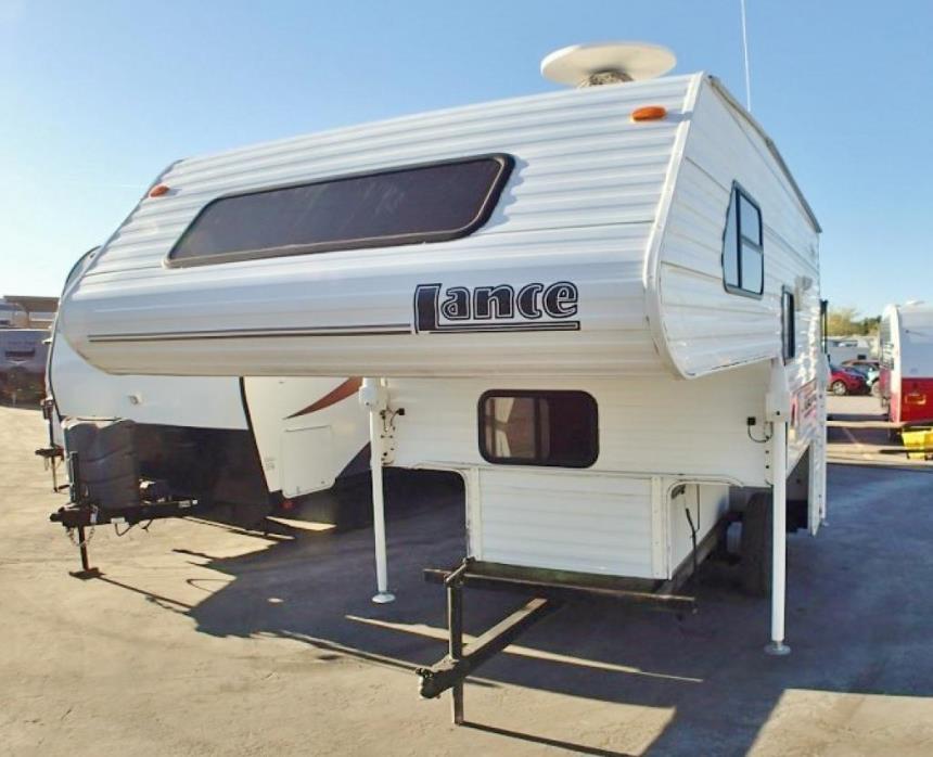 2005 Lance Lance 820