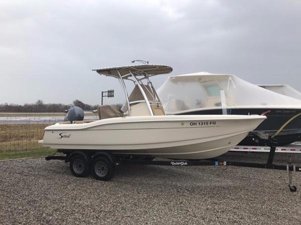 2013 Scout Boats 210 XSF