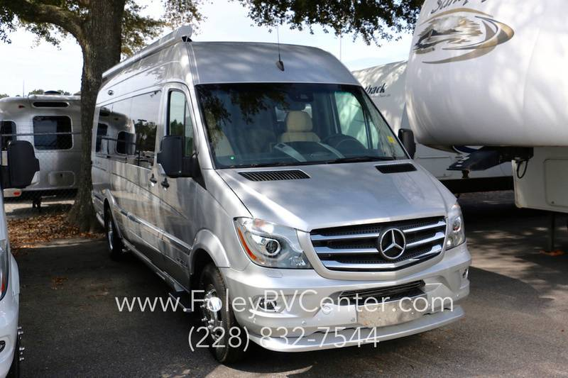 2017 Airstream Tommy Bahama Special Edition Touring Coach Lounge EXT