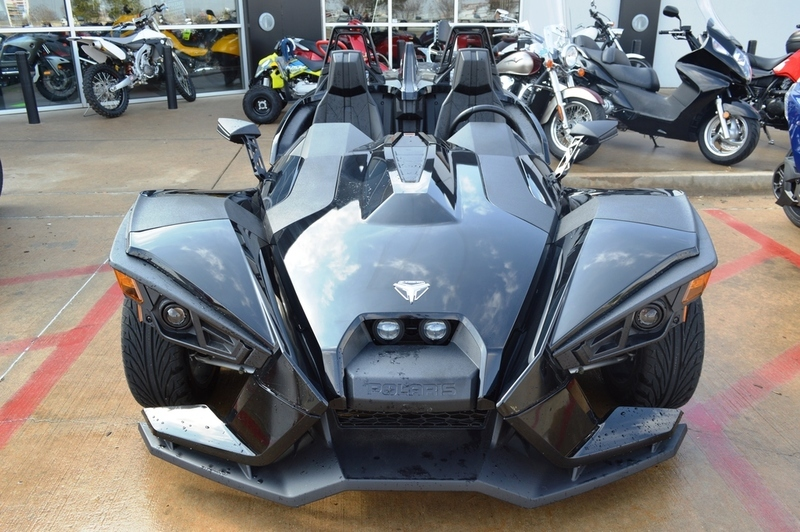 2016 Polaris Slingshot Reverse Trike Gloss Black
