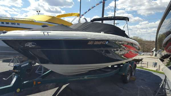 2007 Sea Ray 220 Select