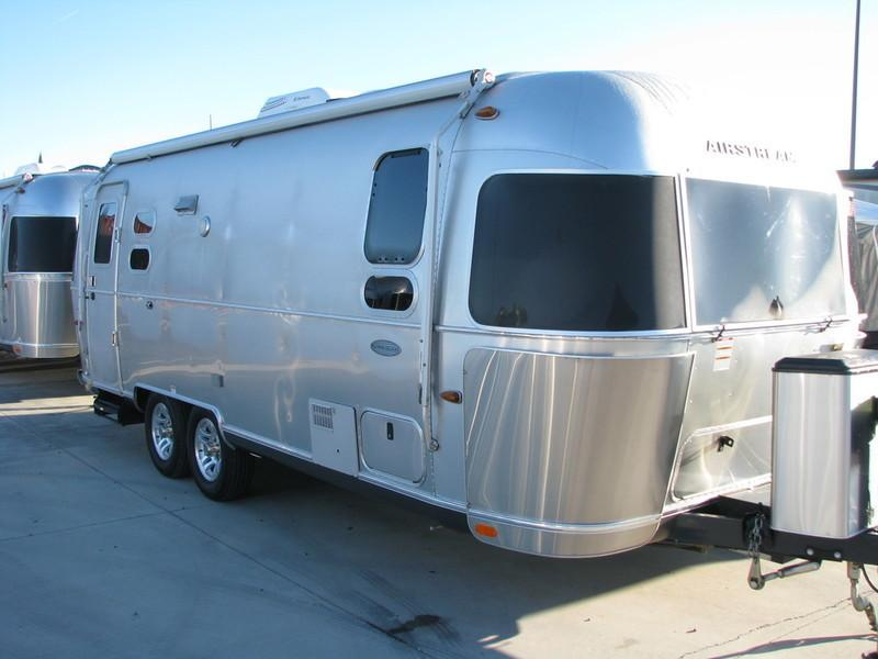 2015 Airstream Flying Cloud 25FB Twin