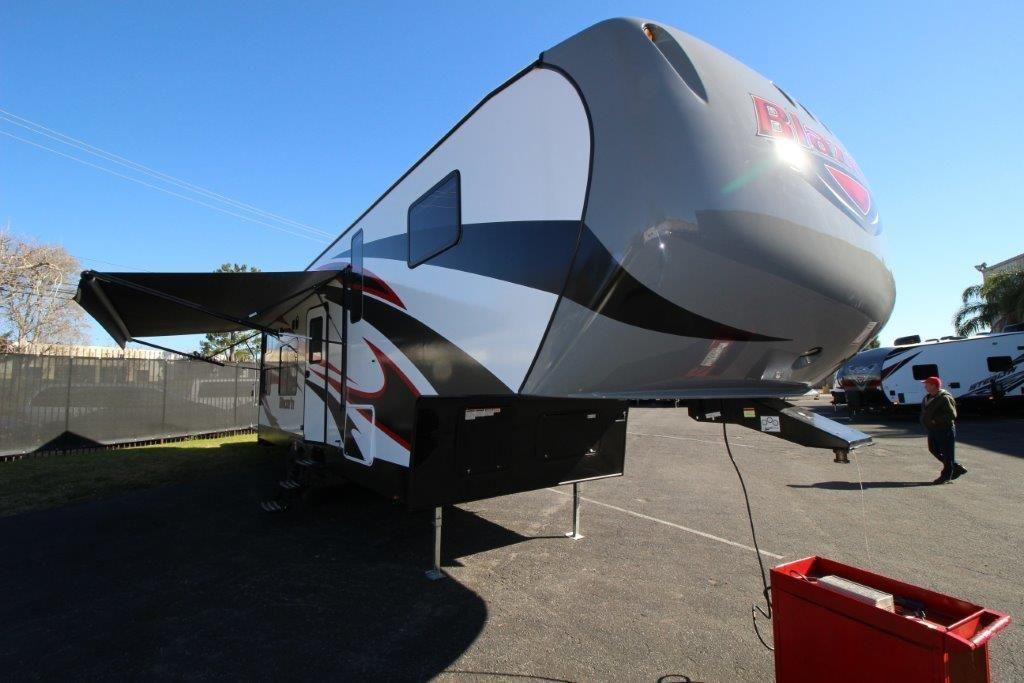 2017 Pacific Coachworks Blazen F3213