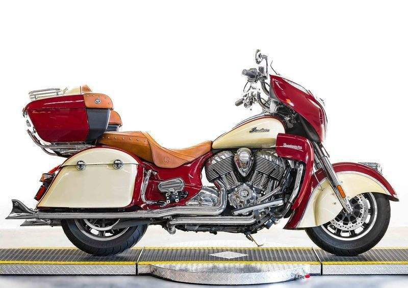 2015 Indian Roadmaster Indian Red/Ivory Cream