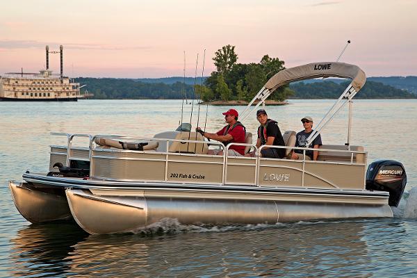 2017 Lowe Ultra 202 Fish & Cruise