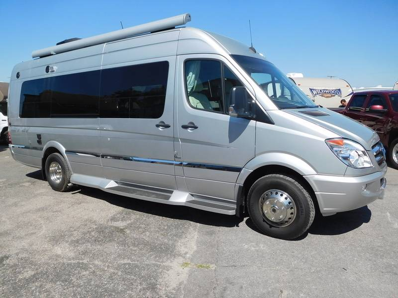 2014 Winnebago ERA 70X