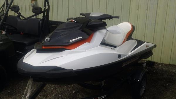 2013 Sea-Doo GTI 130 Black & White