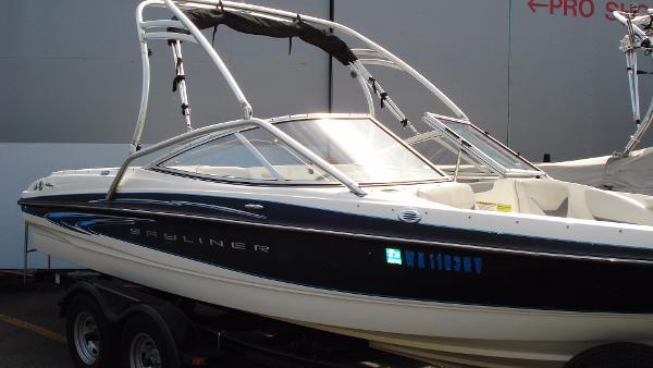 2006 Bayliner 205