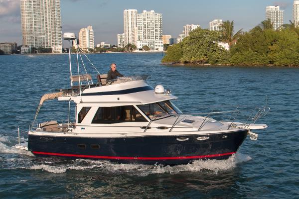 2017 Cutwater C-30 CB Luxury Edition