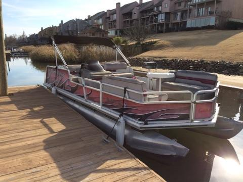 1998 Sun Tracker Party Barge 21' Aluminum Deck
