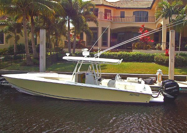 2006 Jupiter 31 FOWARD SEATING