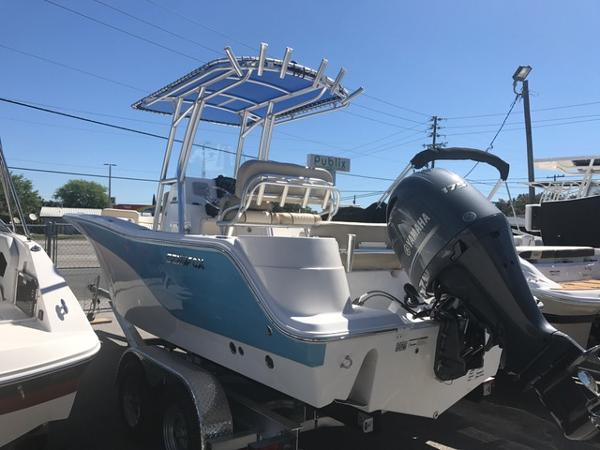 2017 Sea Fox 226 Commander