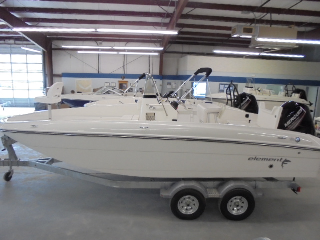2017 Bayliner Element F21