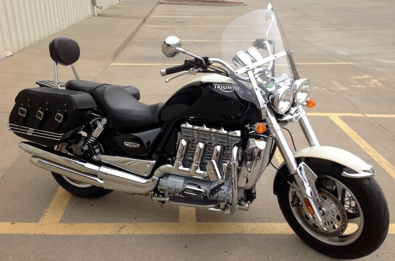 Triumph Rocket 2300 III Roadster 2012 Chrome Sissy Bar With Luggage Rack//Holder