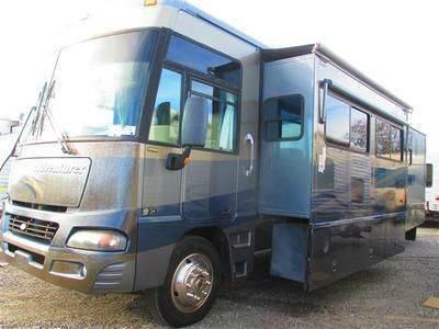 2005 Winnebago Adventurer 35A