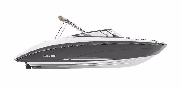 2017 Yamaha Marine 242 LTD eSeries