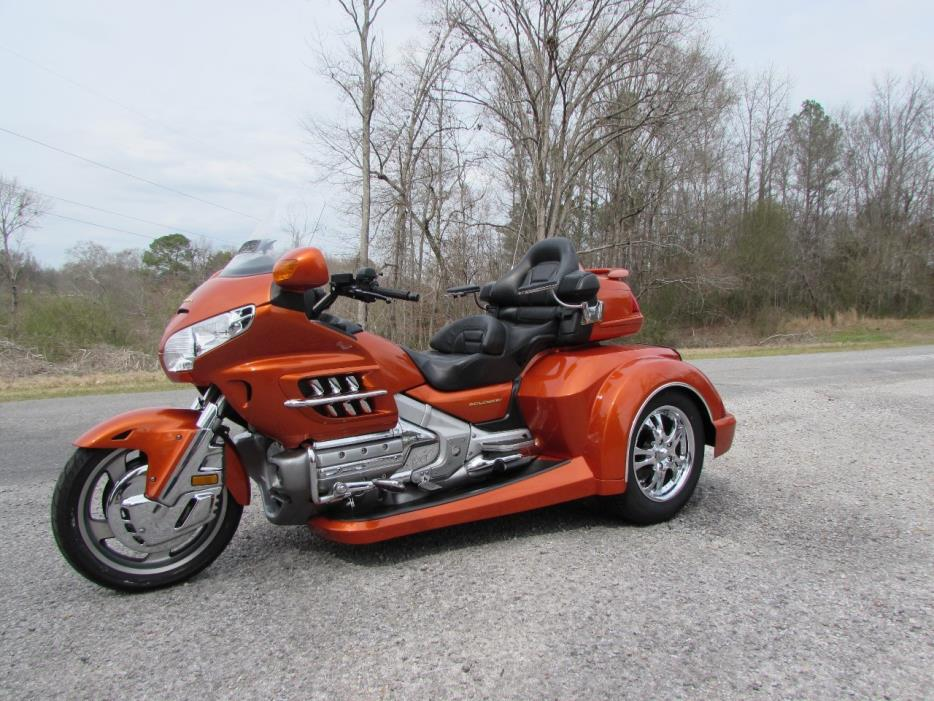 2002 Honda GOLDWING GL1800 ROADSMITH HTS WITH RUNNING BOARDS
