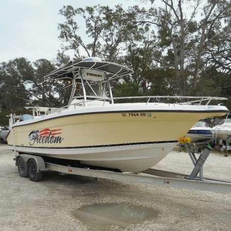 2005 Century Boats 2600CC