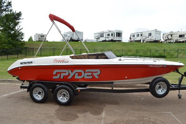 1993 Seaswirl Spyder 188 Bowrider