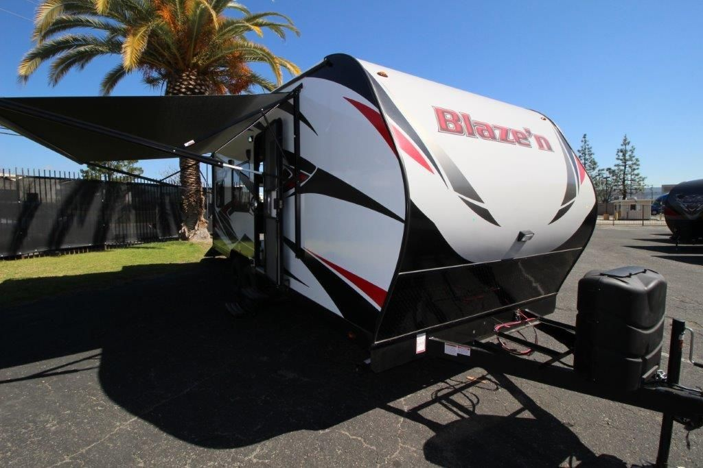 2017 Pacific Coachworks Blazen 20FS