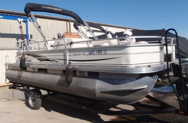 2008 Sun Tracker Fishin Barge 21