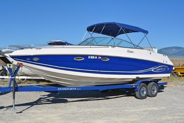 2005 Rinker 282 Captiva Cuddy