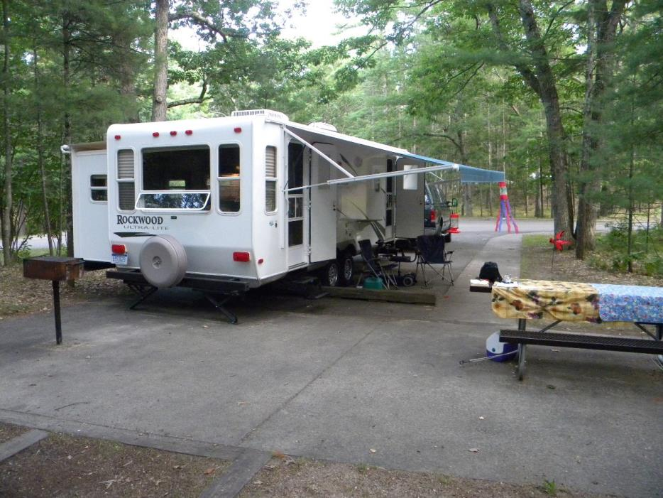 2009 Forest River ROCKWOOD ULTRA LITE 2604WS