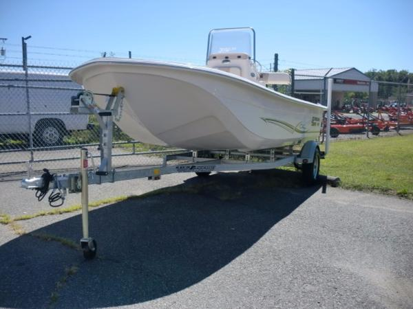 2016 Carolina Skiff JVX Series 20CC