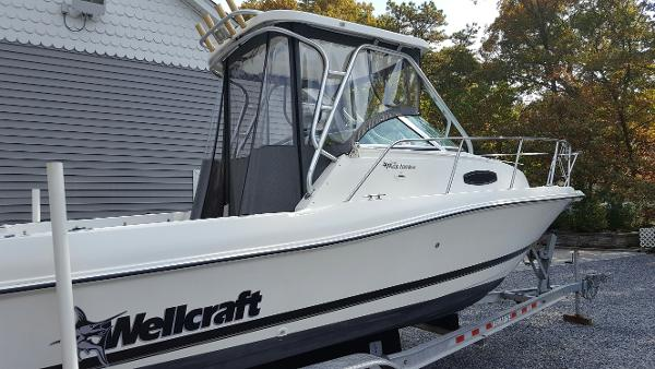 1999 Wellcraft 24 Walkaround