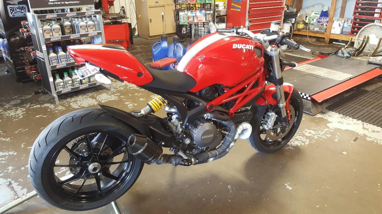 2017 Ducati MONSTER 1100 EVO