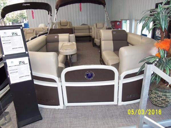 2016 Premier Solaris 250