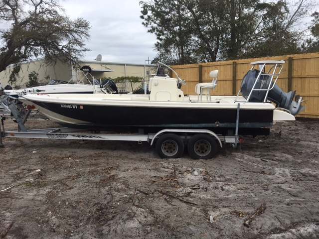 2003 Scout Boat Company 220 Bayscout