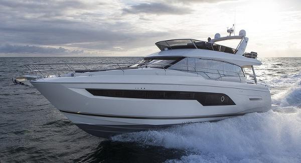 2018 Prestige Yachts 630 Flybridge
