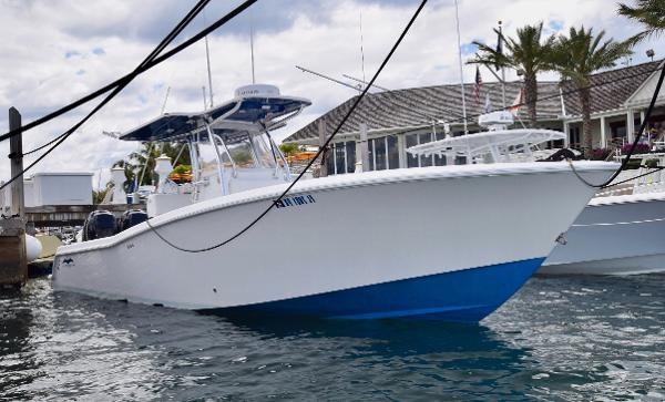2014 INVINCIBLE Verado 300 HP
