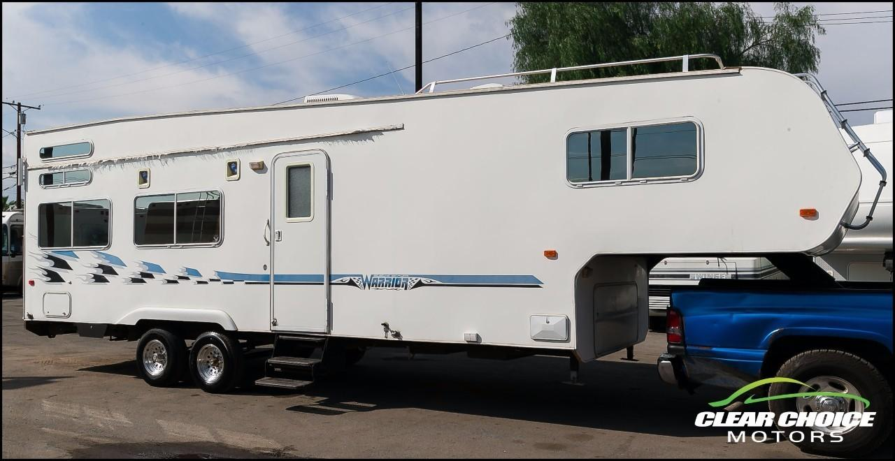 2004 Weekend Warrior 3105LE FIFTH WHEEL