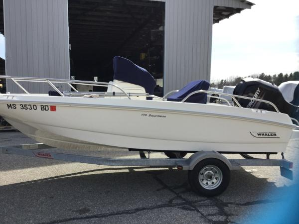 2014 Boston Whaler Dauntless 170