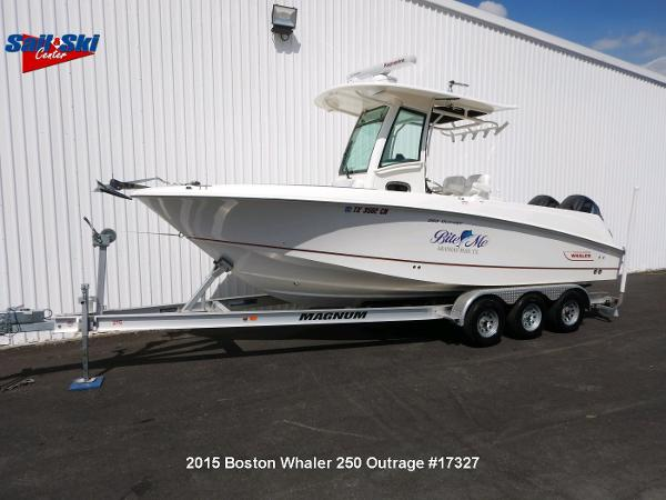 Boston Whaler 250 Outrage boats for sale in Texas