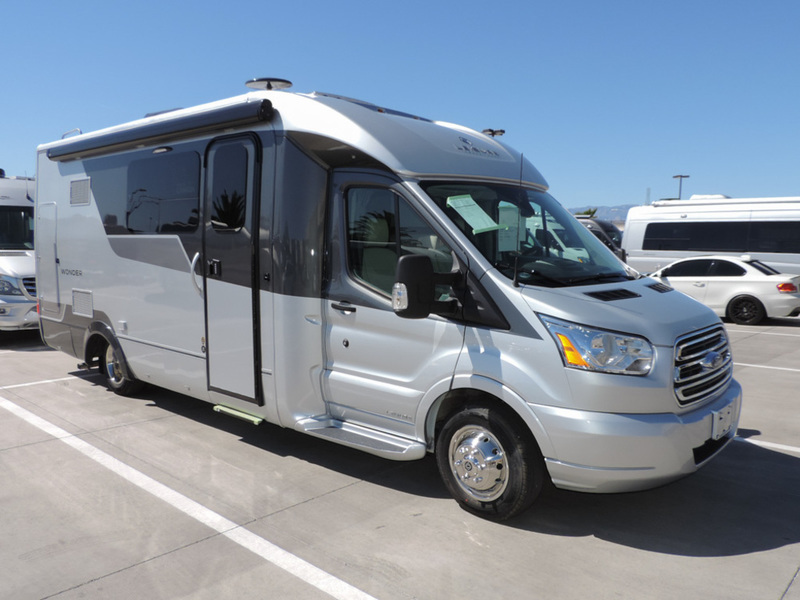 2017 Leisure Travel Vans Wonder W24MB
