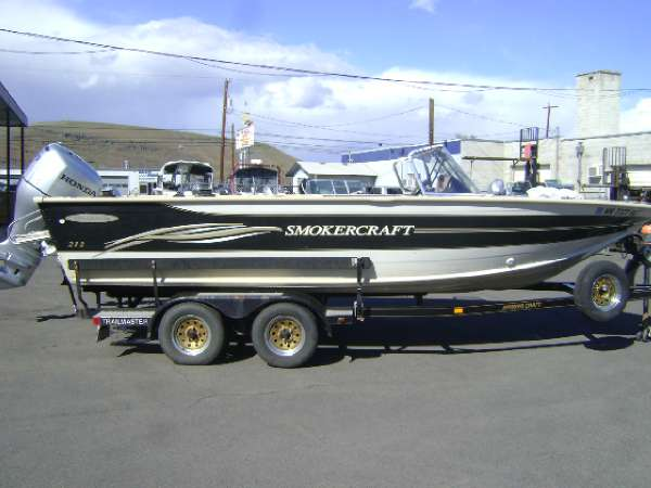 2003 Smoker Craft 212 Millentia