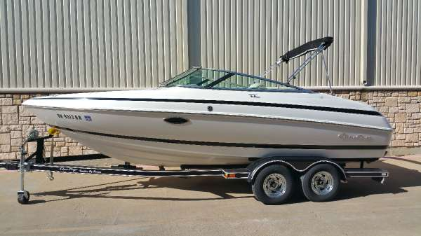2000 Chris-Craft 210 Bow rider